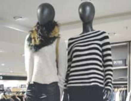 Jacken, Hosen und Kleider aus Samt – ein Muss in der Saison