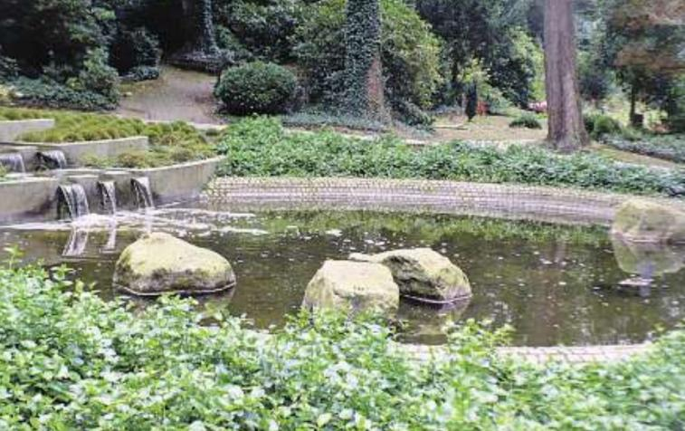 Naturnaher Ort des Gedenkens