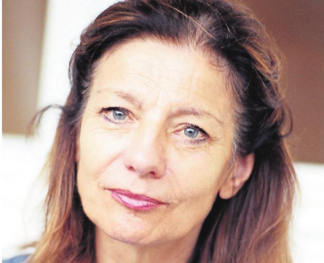 Ursula Krechel liest im Garten-Salon