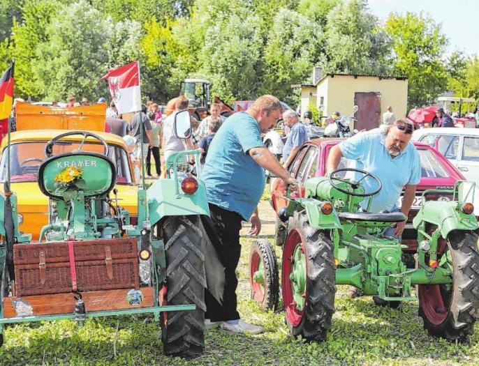 13. Traktoren- & Oldtimertreffen