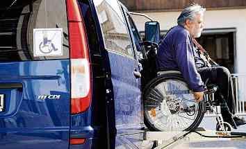 Mit Handicap sicher Auto fahren
