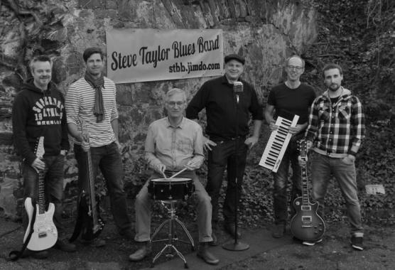 Mit ausgezeichneter Dynamik und eigenen Interpretationen begeistern die Jungs von der Steve Taylor Blues Band. Foto: Steve Taylor Blues Band