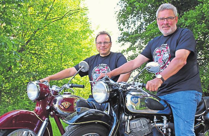 Sind schon auf dem Weg zum Festival: Veranstalter Alexander Hahn (links) und Uwe Veith, Bürgermeister der Stadt Bad König. Foto: Giulia Hahn
