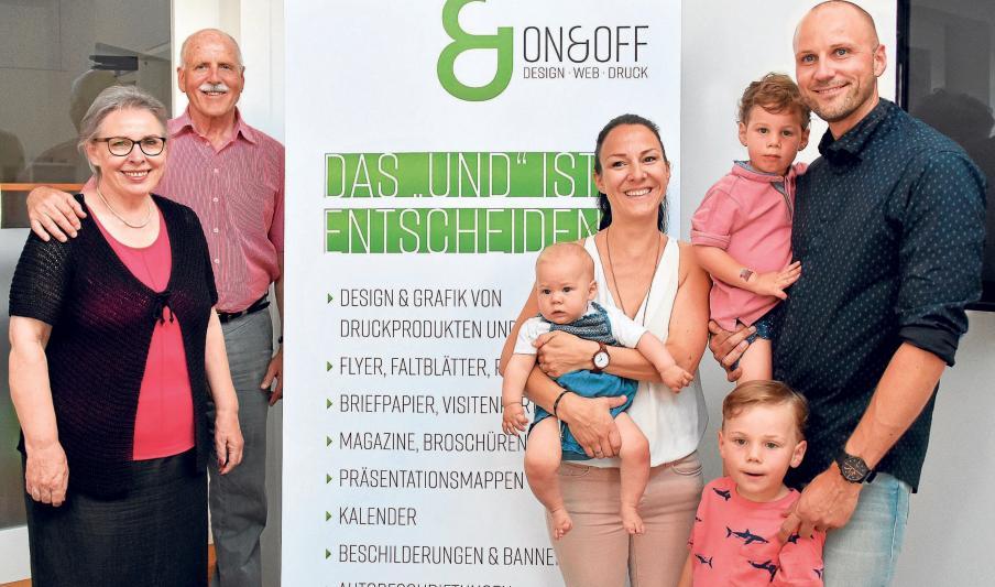 Drei Generationen: Adelheid und Dieter Strobl (von links) sowie Karin und Fabian Strobl und deren drei Kinder Max, Toni und Heidi. Fotos: Nusko