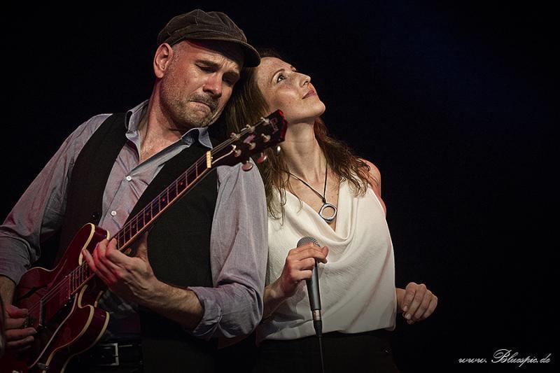 Till Brandt und Melanie Bartsch bringen Blues und Soul mit eigenen Arrangements zum Klingen. Foto: Heinz Joerres