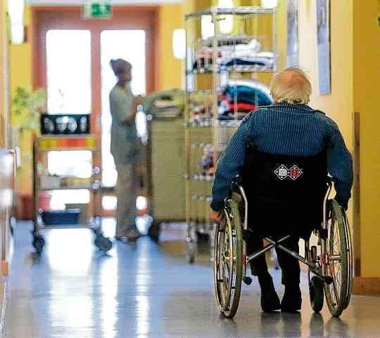 Pflege in Deutschland mit Reform gestärkt