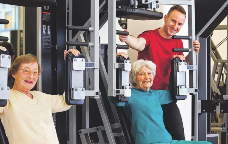 """Alexander Fuß vom Moosbacher Sport- und Therapiezentrum """"Muskelkater"""" rät Kölner Senioren zum Muskelaufbau mit gezielten Krafttraining"""