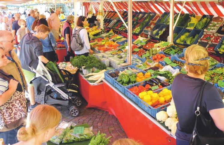 Der Markt in der Bergisch Gladbacher City ist vor allem samstags sehr beliebt