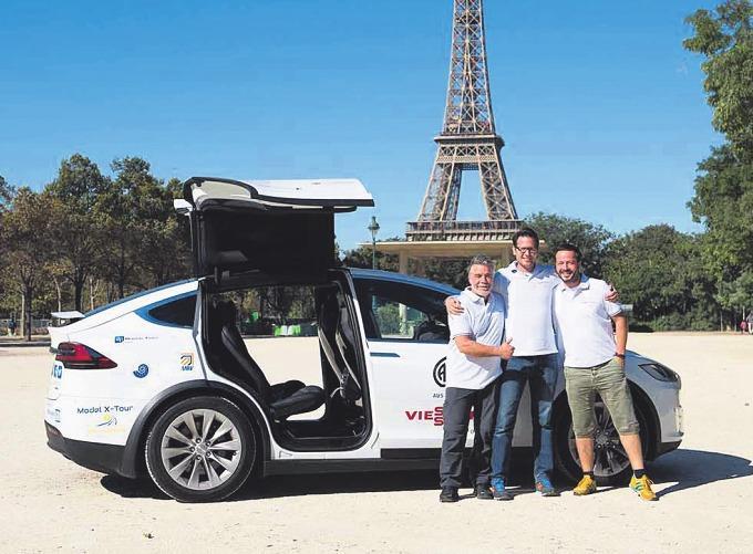 Ron Woydowski ist ein Pionier in Sachen Elektromobilität – Seit 2017 schafft er für sein Heizungs- und Sanitärunternehmen keine neuen Fahrzeuge mit Verbrennungsmotoren mehr an