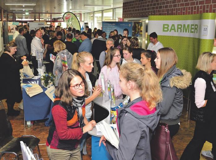 """Die Berufemesse """"4starters"""" bringt Jugendliche mit ausbildenden Betrieben zusammen"""