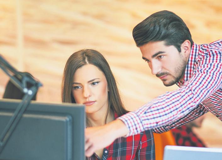 Wer sich als Werkstudent ins Zeug legt, kann im Berufsleben oft schneller durchstarten
