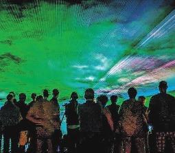 Jessener Schul- und Heimatfest 2018 fasziniert mit Lasershow in der Nacht