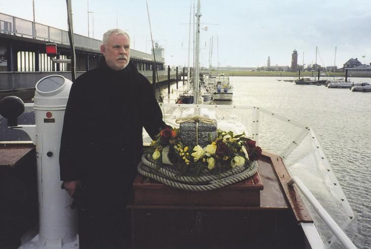 Bestatter Manfred Rapp bietet unter anderem Seebeisetzungen an