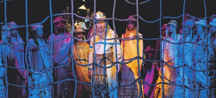 Giuseppe Verdis Nabucco kommt in prachtvoller Aufführung in die Stadt