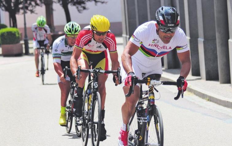 Am Pfingstwochenende kämpfen in Longerich wieder Paracycler, Speedskater und Radrennfahrer um den Sieg – Die Profis gehen am Montag zum 66. Volksbank Giro an den Start