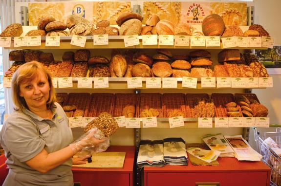 Auch im Reformhaus Engelhardt wartet eine Auswahl hochwertiger Sauerteigbrote und anderer Backspezialitäten auf ernährungsbewusste Kunden FOTO: HELMUT SCHWALBACH