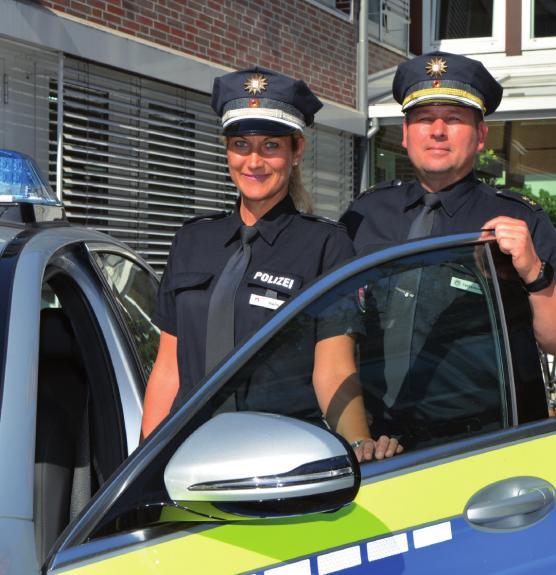 Polizeioberkommissarin Nicole Hahn und Polizeioberrat und Dienststellenleiter Jan Fedkenhauer