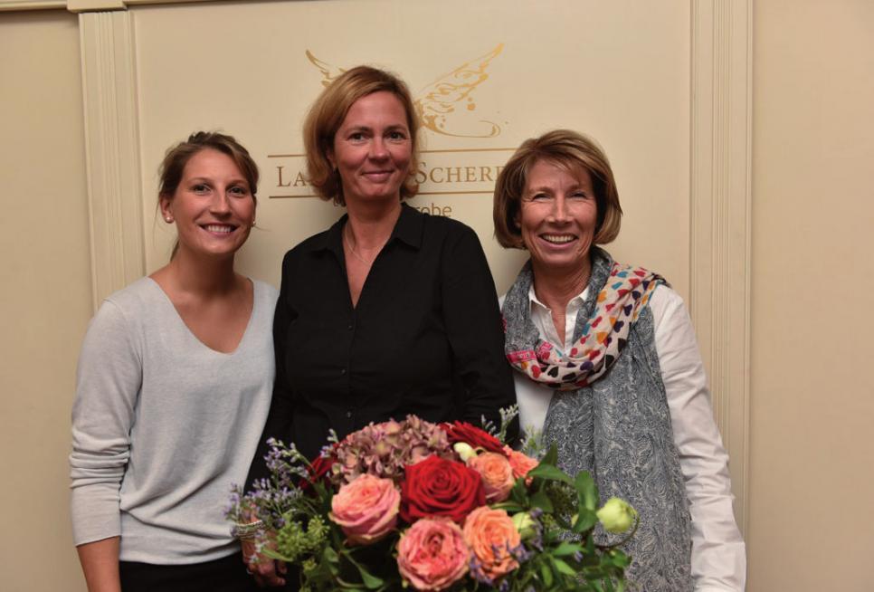 Empfangskomitee im Landhaus Scherrer mit Joanna Wehmann, Stefanie Ruhlig und Brigitta Wehmann