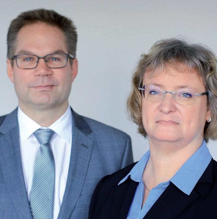 Carola Gerhardt und Marco Meyer, Steuerberater,Telefon 86 60 130