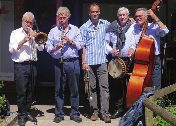"""Die Jazzband """"Highwheelers"""" (Ex-Lehrer vom Hochrad)"""