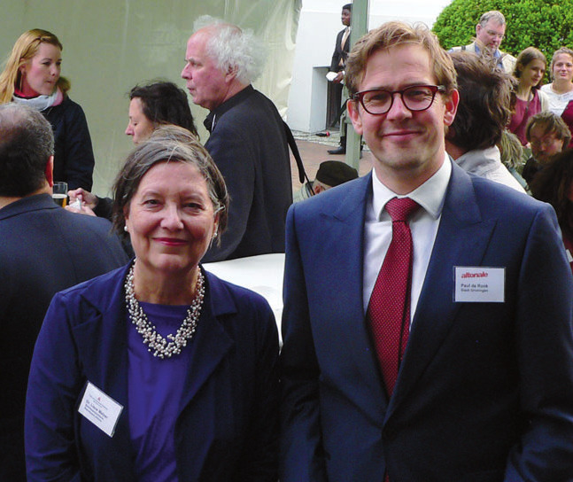 Bezirkschefin Liane Melzer mit Paul de Rock (Kulturdezernent der Partnerstadt Groningen)