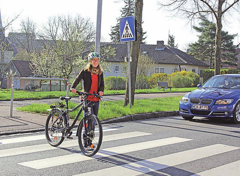 Wer absteigt wird zum Fußgänger und hat damit auf Zebrastreifen Vorrang vor den Autofahrern. Foto: ampnet