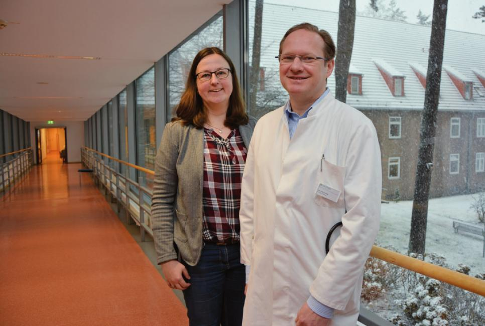 Entlassungsmanagerin Meike van Hettinga und Chefarzt Dr. med. Christoph Schmitz-Rode