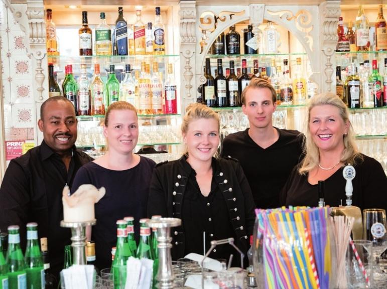 Das Team vom Restaurant Heinsens freut sich auf Sie! FOTO: ©CHRIS REINER