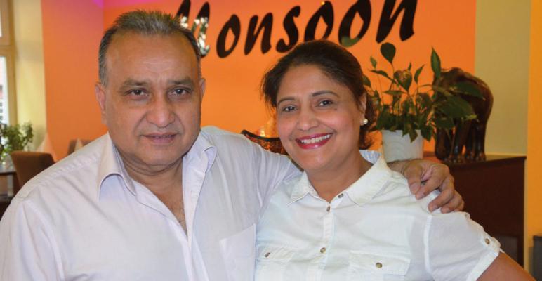 Vijay Shamsher Singh mit seiner Frau Inderjit Kaur