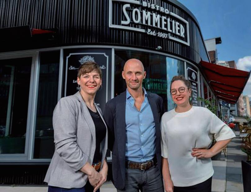 Alexandra Wrann, Restaurant-Manager und Sommelière, Jesper Boelskifte und Rienne Bilz FOTO: MARCELO HERNANDEZ