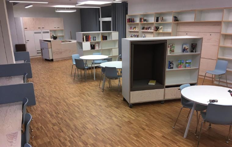Viel Platz zum Lesen und für kulturelle Veranstaltungen