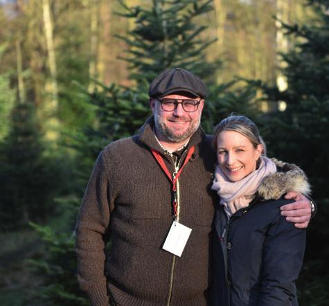 """York-Alexander Dunger, Porsche-Geschäftsführer Lübeck, mit Nathalie Dunger im Bliesdorfer Forst  bei einer """"Winter Lounge"""""""