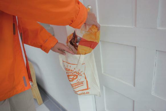 Morgens liefert der Frühstücksdienst frische Brötchen direkt an die Tür