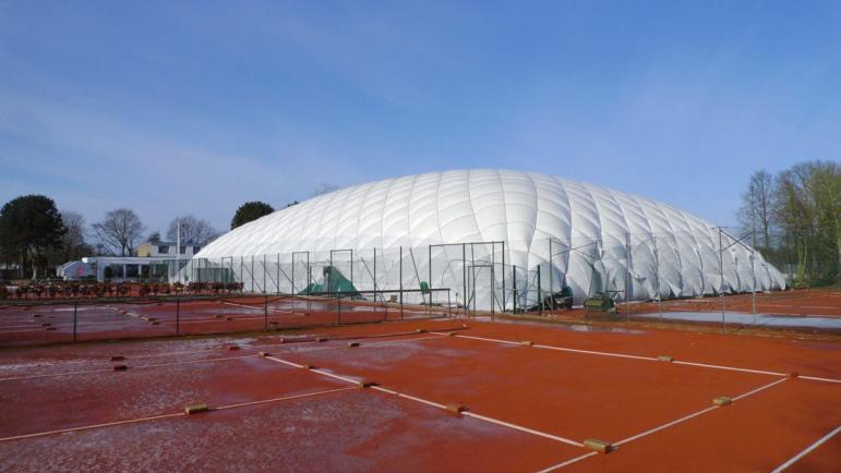 THCC hat eine neue Tragluft-Tennishalle errichtet