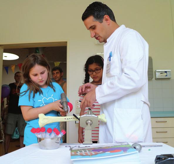 Kinder können die Arbeiten im Altonaer Kinderkrankenhaus kennenlernen