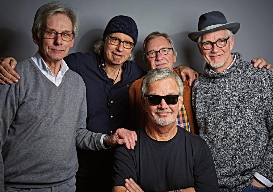 Hans-Werner Jaeger, Fotograf Frank F. Wartenberg, Jörg Dancker, Nicki und Peter Fesche (vorn)FOTOS: FRANK F. WARTENBERG