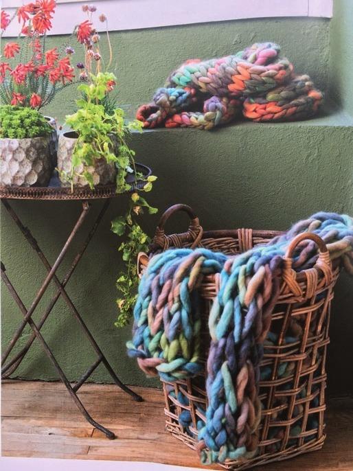 Gestalten Sie sich doch einfach Ihre Sommermode selber. Im Wollstübchen Blankenese lernen Sie stricken und häkeln.