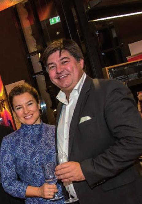 Frank Buddenhagen, hier mit Ehefrau Kerstin, betreibt gemeinsam mit Partner Tim Bütecke das Sagebiels Fährhaus