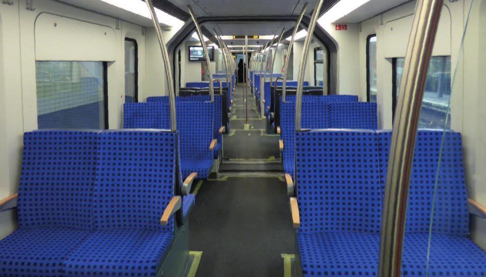 Die neuen Züge bieten größeren Komfort, Flatscreens für aktuelle Informationen und sind auf ganzer Länge begehbar. Dies soll das Sicherheitsgefühl der Passagiere verstärken. FOTO: S-BAHN HAMBURG