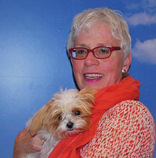 Joan von Ehren mit Teddy