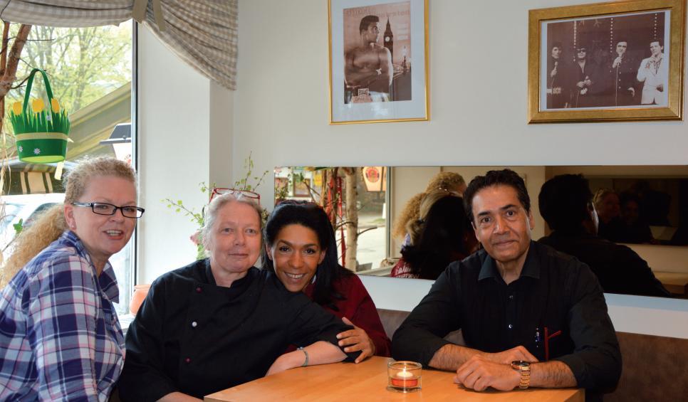 Das Verwöhnteam in Paula's Wirtshaus (v.l.n.r.): Tina, Bettina, Köchin Maya, Carlo