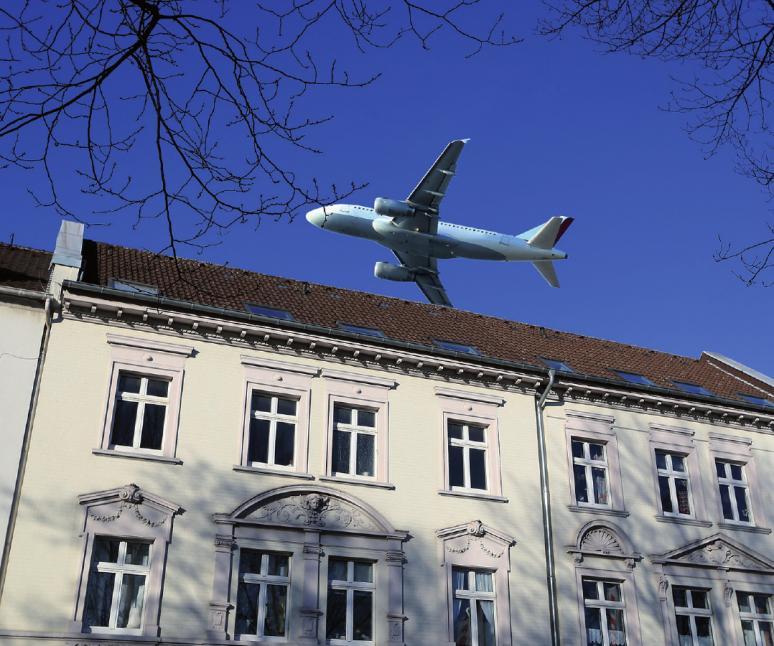 Die Zahl der Flüge über Hamburg ist 2017 gesunken. Die Beschwerden nehmen dennoch zu.FOTO: MITIFOTO_FOTOLIA.COM