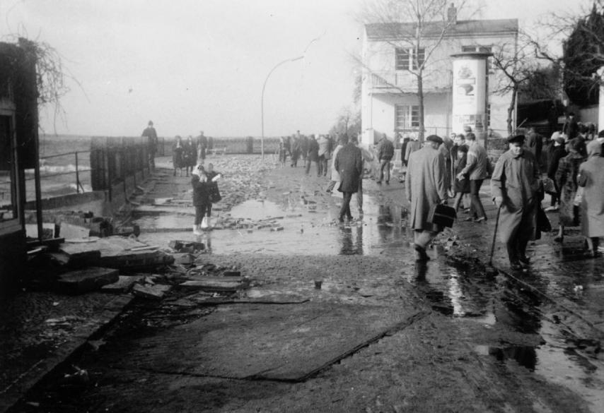 Strandweg Blankenese, 1962, der Tag danach