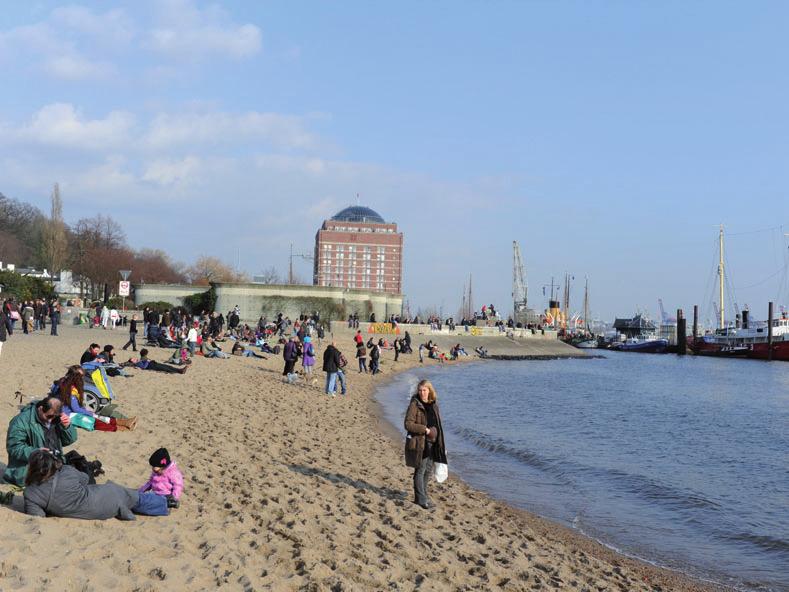 Der Strand zwischen dem Museumshafen und dem Hans-Leip- Ufer bleibt so, wie er ist