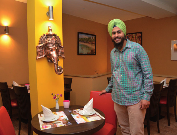 Restaurant-Chef Gurbir Singh freut sich auf Sie und Ihre Familie