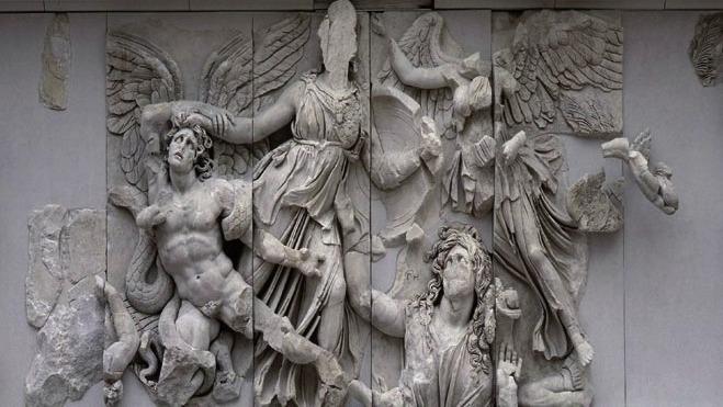 Kampf der Giganten, Pergamon-Altar