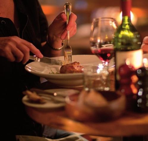 Wein und Speisen gehören zusammen, FOTO: MALZKORNFOTO/HAMBURG