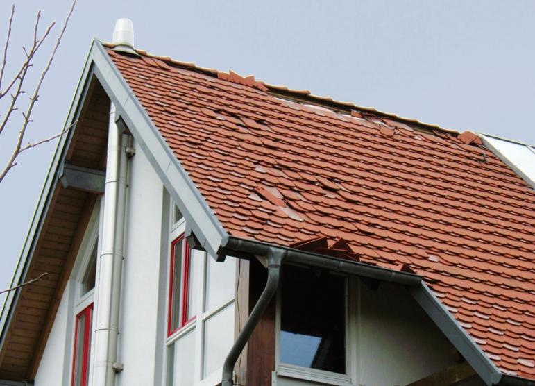 Hier haben sich nach einem Sturm Dachziegel gelöst FOTO: VPB BONN