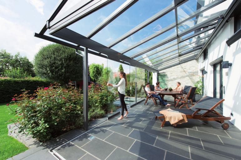 Dank filigraner Profile präsentiert sich das Glashaus hell und freundlich FOTO: ©BETTINA MECKEL