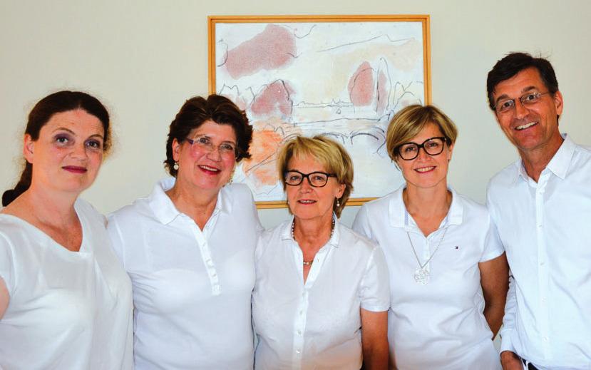 Das Fachärzteteam (von links nach rechts): Elisabeth Künkel, Dr. med. Christina Kühler-Obbarius, Dr. med. Annette Kleinkauf-Houken, Anke Hopp, Dr. Matthias Theden-Schow